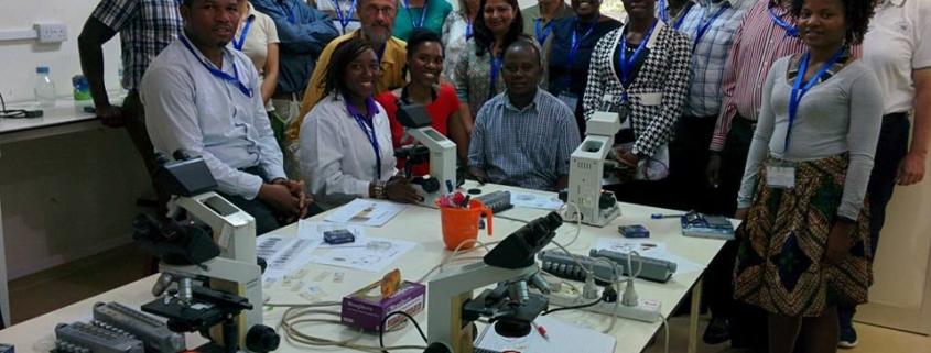 Corso per personale sanitario locale organizzato da Fondazione Ivo De Carneri e Aicu a Pemba, Tanzania